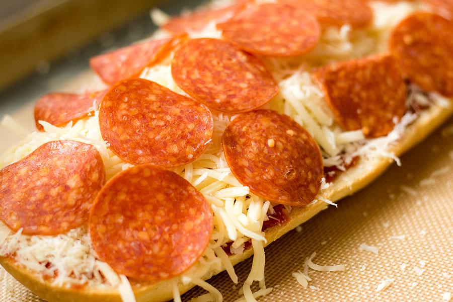 Garlic Bread Pizza Sandwich Recipe