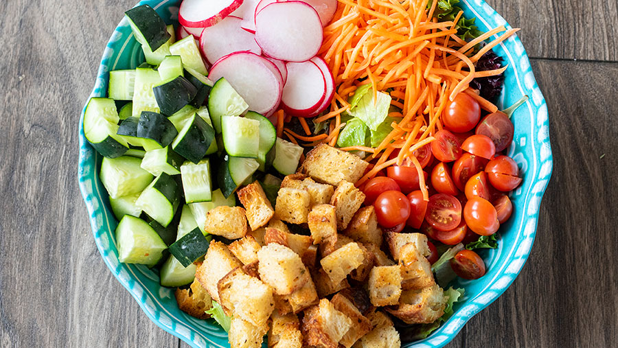 Tossed Salad with Homemade Garlic Croutons