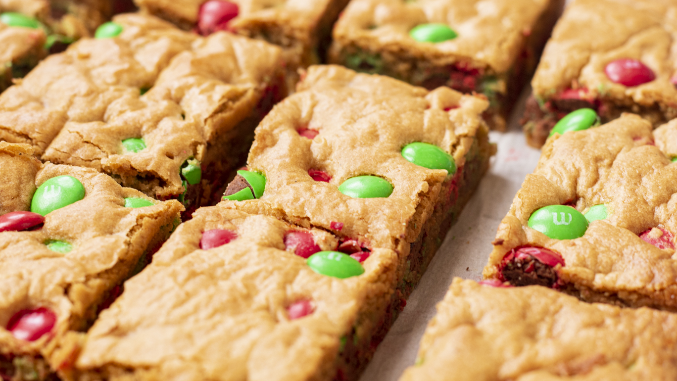 Holiday M&M Cookie Bars