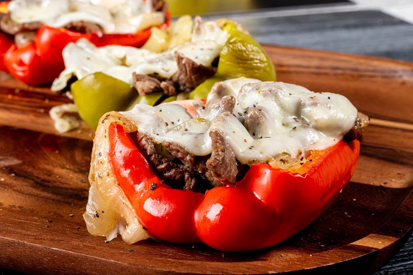 Ardei umpluți cu ciuperci și brânză